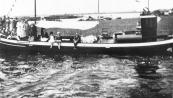 Een gezelschap dames maakte in de zomer van 1933 een boottocht met de Rival van Tjesse v/d Made.