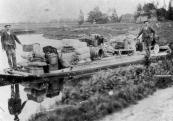 Alle Kort en Anne Knol hadden een beurtdienst van Gorredijk op Jubbega met een open praam. In Gorredijk werd de vracht gelost en geladen bij kapper Anne v/d Muur (bij het Nutsbrechje).Voordat de sluis bij Tjoelebartje er was voeren zij tot de Singel en Laadden de vracht over in een praam die in de Popmawijk lag en die in verbinding stond met de Schoterlandse Compagnonsvaart. Zo konden zij Jubbega bereiken.