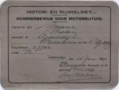 De heer Piet Maans heeft dit nummer maar even gehad als veevoederfabrikant in 't Heiteland, in juni 1945 nog maar 21 jaar jong.  De heer Maans was de grondlegger van het Groninger VW gebeuren en directeur van VW Garage Century, zie ondermeer de A 3835 op de site van de Grunneger Archieven.Pieter Maans, Gorredijk, gemeente Opsterland (Brouwerswal G302). Afgegeven: 15-6-1945  -Minne Jac. Akkerman, Wolvega, gemeente Weststellingwerf (Kerkstraat 38). Afgegeven: 29-10-1945    (Bron: Willem J. Nieboer, Uithuizen)