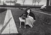 1961, De toen nog lege overkant van de Ringenoldusstrjitte, met Akkie Kuipers. (foto via Ankie Kuipers)