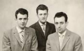 De zonen van Melle en Sijke Tenge-Dorenbos. V.l.n.r: Johannes 24 jr., Anne 20 jr., Eppie 28 jr. Foto uit 1962