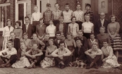 ULO 1958-1959 Klas 3A. 2e rij,3e van links: Geert Meijer. Rest namen niet bekend.