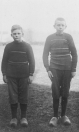 De beide zonen Hendrik en Aize van Lomme Aize de Vries, de zoon Aize is al op jonge leeftijd overleden.