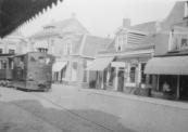 Tram richting Heerenveen in de bocht bij de Schansburg.