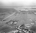 Luchtfoto van Gorredijk en Terwispel tijdens de wateroverlast in 1965/1966