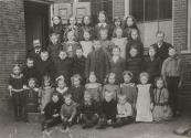 Openbare lagere school Kortezwaag ? namen onbekend (foto via L.de Vries Homans)