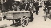 Koos Homans achter de kar, 21 april 1944. (foto via L. de Vries-Homans)