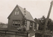 Woning in Kortezwaag, waar Koos en Anneke Homans hebben gewoond, 1946 (foto via L. de Vries-Homans)