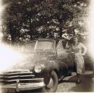 Heinrich van Hes, Gorredijk, gemeente Opsterland (Brouwerswal 340). Afgegeven: 28-5-1946. Een Chevrolet Fleetmaster van de heer Van Hes. De heer Van Hes moet de auto nieuw hebben gekocht (modeltype zou 1947 betreffen, kenteken afgifte in 1946).   Mijn ouders hebben de auto een dag gehuurd van het taxibedrijf van Van Hes (in Langweer).   Taxibedrijf Van Hes had blijkbaar voldoende vertrouwen in mijn vader (een nog jonge chauffeur). Naast de auto poseert mijn moeder Angenietje Cnossen-Algera. Bron: Jan Cnossen)
