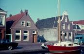 Brugwachtershuis en boot