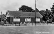 De in 1928 als ''noodschool'' gebouwde Nutskleuterschool bleef tot 1961 in gebruik. Op 11 januari 1962 konden de kleuters de nieuwe school betrekken die het Nut op dezelfde plaats liet bouwen.