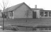 In 1982 werd de Christelijke Lagere School ,,De Librije,, in de hoek Sjoelstrjitte/Wabbe Wissestrjitte met een zijvleugel vergroot.