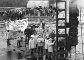 Op 14 December 1979 werd de eerste paal geslagen voor de nieuwe Burgermeester Harmsmaschool te Gorredijk.