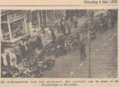 16 dorpentocht op 6 mei 1952. De 16 dorpentocht trok veel deelnemers. Een overzicht van de start in de Hoofdstraat te Gorredijk.