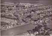 Gorredijk, foto vermoedelijk genomen september1958. Rechts in het midden is duidelijk het Markterrein te zien.