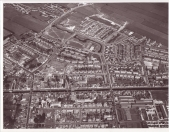 Foto uit 1974. De Groene long, het park van Gorredijk boven in de foto is duidelijk zichtbaar door zijn waterpartij.