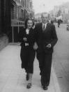 Folkert Coehoorn met Fardow van der Schaar in de Hoofdstraat, 26 juni 1937. (foto via D.Coehoorn)