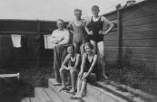 Zwemkampioenen van de 4 x 50 meter vrije slag in Drachten, de wedstrijd werd gewonnen met 1/5e seconde verschil. (foto via D.Coehoorn)