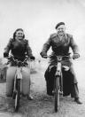 Fardow en Folkert Coehoorn beide op een NSU, omstreeks 1955. (foto via D.Coehoorn)
