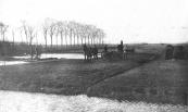 In de herfst van 1924 werd begonnen met de bouw van het natuurbad aan het noordeinde van