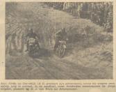 12)  Aant Heida uit Gorredijk (A5) probeert zijn achterstand welke hij wegens pech opliep, weg te werken. In de zandkuil waar honderden toeschouwers de strijd volgden, passeert hij D.J. vanEkris uit Scherpenzeel.