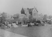 Na 15 april was de strijd gestreden. Het kampement werd afgezet met touw om nieuwsgierigen te weren. De manschappen sliepen in tenten.