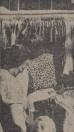 1966 Mei, Het was gisteren op Gerdykster Merke warmer dan op de wekelijkse bazar in het Spaanse Granada. En het was er drukker, gezelliger, goedkoper, sfeervoler en visrijker