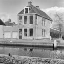 Voor en rechter zijgevel Langewal 52  1981, (foto van der Wal)