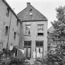 Linker achterzijde  Brouwerswal 11   1969,  (foto van der Wal)