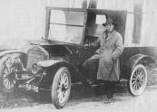 Harm Piersma B-6739. Harm Piersma hier met zijn Studebaker in een van de jaren twintig. N.V. Voltawerk, Gorredijk, gemeente Opsterland. Afgegeven: 12-7-1923 (25 september 1924 nieuw exemplaar)