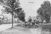 Het voetbruggetje dat toegang geeft tot de boerderij Hegedyk nr.2 is nog steeds aanwezig.