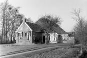 In maart 1989 werd deze boerderij c.a. aan de Hegedyk 42 in het vroegere Kortezwaag door de erven Sjoerd de Vries verkocht.