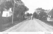 De Hegedyk in het inmiddels als dorp opgeheven Kortezwaag. In het eerste huis links is meer dan 100 jaar bewoond geweest door een huisarts.