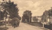 1935, De Hegedyk te Gorredijk met een paard en een met hooi geladen wagen.