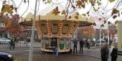 De kermis in Gorredijk houdt z'n stek op de parkeerplaats voor cultureel centrum De Skâns. Plaatselijk Belang en ondernemers hadden gevraagd om een verhuizing naar de oude plek op de Markt. Na een opknapbeurt in 1997 is dit terrein ongeschikt geraakt voor de kermis, aldus de gemeente Opsterland. Aanpassingen zijn te duur.