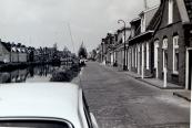 Foto Langewal (ongeveer 1970) vanaf nr. 64 richting centrum (foto via J.Hofstra)