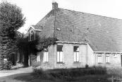 Deze boerderij met land werd door de gemeente aangekocht voor o.a. uitbreiding van het Spotpark ''Kortezwaag'' Foto 1983.