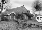 Deze in 1899 gebouwde boerderij aan de Leijen nr.2 werd in 1992 afgebroken. Op het vrijgekomen terrein werden 3 vrijstaande woningen gebouwd.