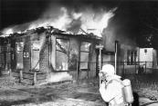 Er bleef weinig over van cafe Hoekstra aan het Easterein in Kortezwaag bij de brand op 7 april 1979