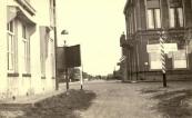 Gorredijk - kruispunt Badweg / Nieuweweg / Hgedyk / Hoofdstraat - april 1950 - Fotograaf v.d. Meer Gorredijk