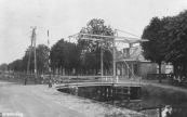 In de dertiger jaren van de twintigste eeuw kreeg Kortezwaag een ophaalbrug ter vervanging van het smalle voetbruggetje. Het was de afgedankte Gorredijkster Bleekersbrege waar toen een basculebrug werd gelegd