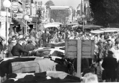 Najaarsveemarkt in 1987. Er wordt steeds minder vee aangevoerd.