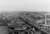Deze foto werd gemaakt tussen 1910 en 1919 vanaf de schoorsteenpijp van de olieslagerij aan het noordeinde van de kerkewal.