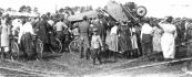 Tijdens de vliegfeesten in 1922 sloeg op 3 augustus dit toestel de Albatros bij de landing over de kop en brak in tweeën. Persoonlijke ongelukken deden zich niet voor.