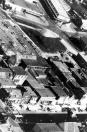 Luchtfoto van Gorredijk met in het midden de later afgebroken Kannefabriek van Joh. Ymkes de Jong.