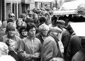 De najaarsmarkt in 1987 met grote drukte op de Langewal.