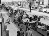 Wegens werkzaamheden aan de kade van de Langewal werd in 1977 de weekmarkt verplaatst naar de Molenwal.