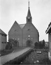 De Nederlands Hervormde kerk nog in volle glorie.