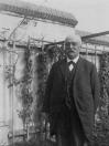 Advokaat Mr. Willem Herman Jonkers. Hij had zijn kantoor aan de Hegedyk nr.3.