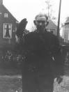 Cornelis Wilkes, geboren te Dokkum, woonde met zijn vrouw Margje in een klein woonscheepje dat aan de Kerkewal lag. Hij ging veel uit vissen en mollenvangen maar liep ook Gorredijk en omgeving af om ''gelukkig Nieuwjaar'' te wensen. Hun laatste levensjaren brachten zij door in het bejaardenhuis te Ureterp.